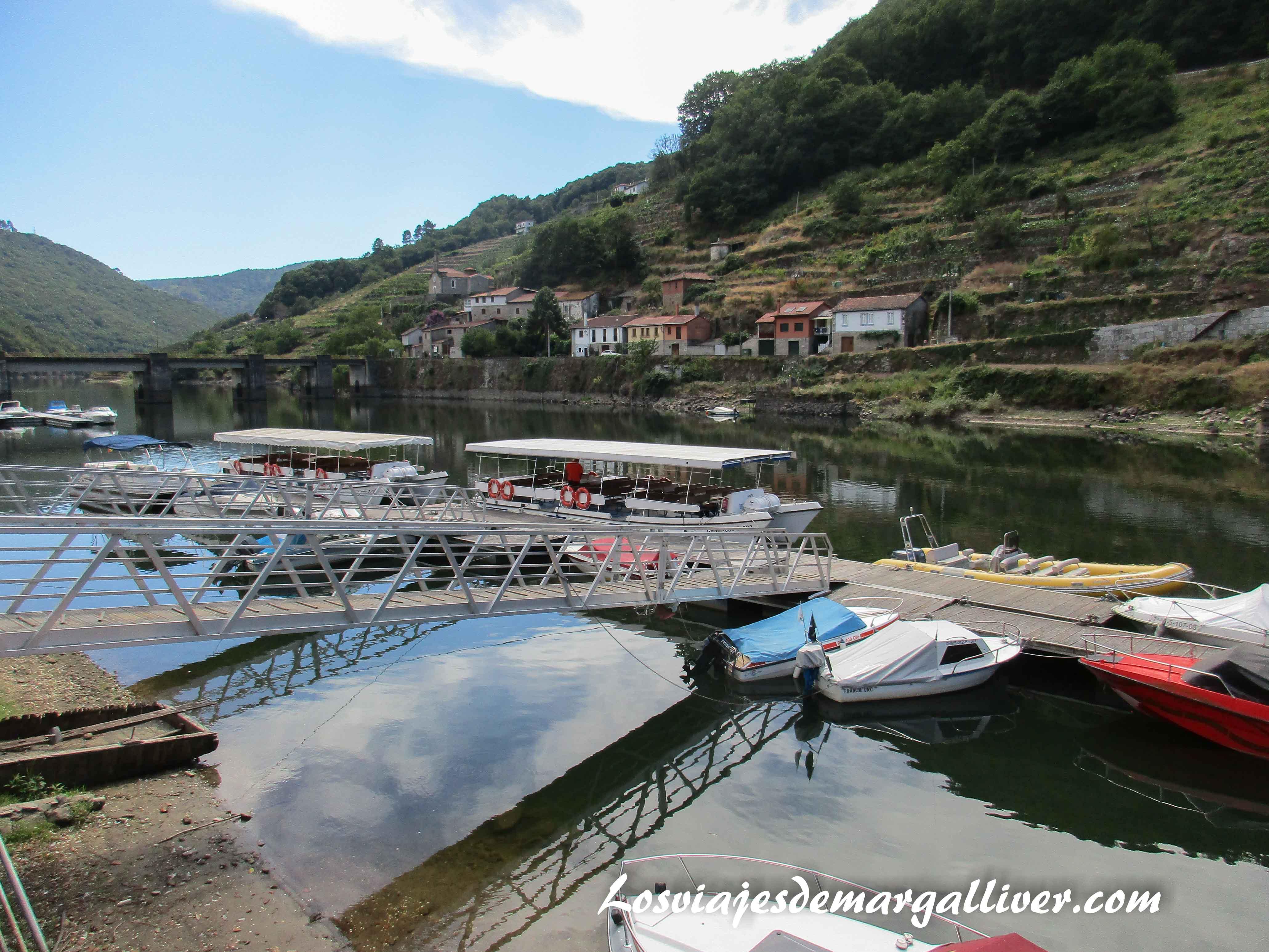 Puerto de Belesar en el río Miño ,ruta fluvial por la Ribeira Sacra - Los viajes de Margalliver
